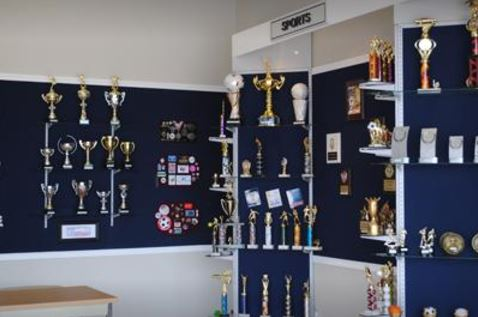 Crown Trophy 155 Trophies